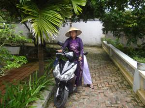 Pas facile de ...... dans Vietnam NG-miss-Tân-300x224