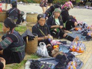 groupe-de-vendeuses2-300x224 dans Vietnam